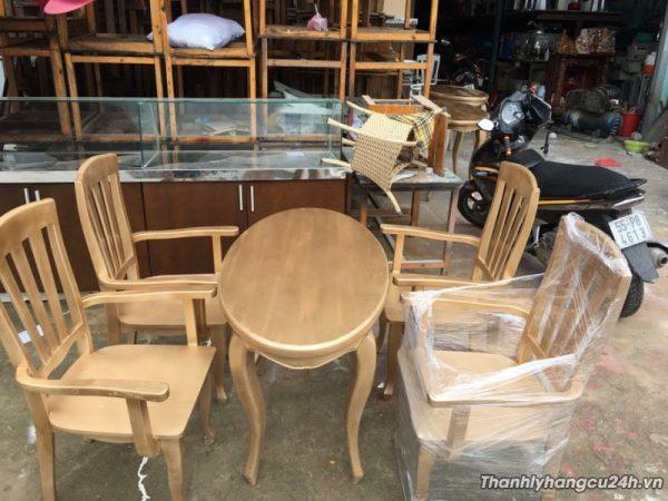 Bàn ghế giá rẻ tphcm