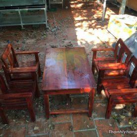 Bàn ghế gỗ nhà hàng thanh lý