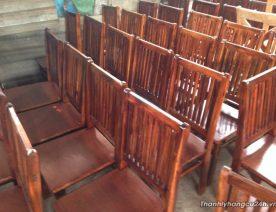 Ghế gỗ nhà hàng